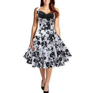 Dresses & Skirts - Black and white vintage style dress